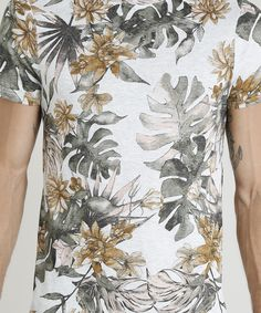 9b2e6ab6c4 Camiseta Masculina Slim Fit Estampada de Folhagens Manga Curta Gola Careca  Cinza Mescla Claro