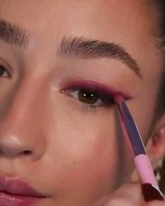 Edgy Eye Makeup, Eye Makeup Steps, Colorful Eye Makeup, Eye Makeup Art, Simple Eye Makeup, Skin Makeup, Unique Makeup, Stunning Makeup, Makeup Tutorial Eyeliner