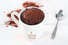 Super saftig mit flüssigem Kern, so muss ein Schokokuchen doch sein. Mit diesem Rezept könnt ihr euch einen leckeren Tassenkuchen in nur 3min. zaubern.