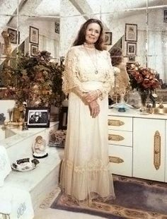 June at home in 1999 Johnny Cash June Carter, Johnny And June, Country Singers, Country Music, John Cash, Carter Family, Famous Singers, Vintage Beauty, Music Artists