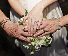Love the generational rings. #DBBridalStyle