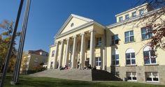 Приключи приемът в Американския колеж (2015) | Danybon.com