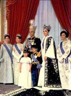 Bij Anne: Farah Diba en de kroonjuwelen van Iran (2)