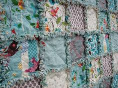 Quilting these rags quilts are really easy. Luv them!