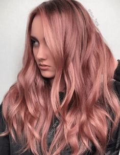 30 Best Rose Gold Hair Ideas | YourTango Light Pink Hair, Light Brown Hair, Rose Gold Brown Hair, Rose Gold Hair Dye, Rose Gold Hair Colour, Rose Gold Bayalage, Rose Gold Toner, Light Caramel Hair, Long Curly Hair