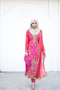 This style of suit Abaya Fashion, Muslim Fashion, Ethnic Fashion, Modest Fashion, Indian Fashion, Girl Fashion, Eid Outfits, Pakistani Outfits, Indian Outfits