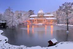 Saul Santos Diaz - photographe Palacio de Cristal, nevado. Parque de El Retiro. Madrid