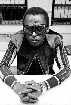 """Miles Davis' Bitches Brew at 50: """"Aphex Twin, Brian Eno, Portishead, Flying Lotus, and Joni Mitchell have all cited the album as an influence while Radiohead's OK Computer was directly inspired by it"""" 