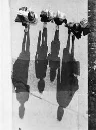 Photography Street Andre Kertesz New Ideas Minimalist Photography, Urban Photography, Fine Art Photography, Street Photography, Vintage Photography, Photography Ideas, Andre Kertesz, Light And Shadow Photography, Black And White Photography
