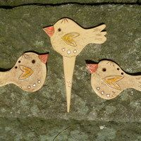 Figurky, miniatury / Keramika   Fler.cz Westies, Rooster, Ceramics Ideas, Pottery, Birds, Christmas Ornaments, Holiday Decor, Animals, Garden