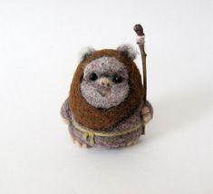 Nadel Gefilzte Ewok von HandmadeByNovember auf Etsy