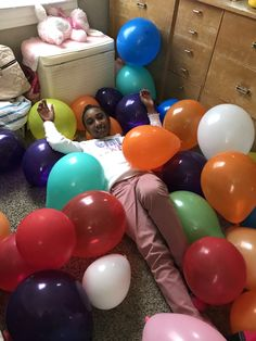 Party Idea 💡🎉 Party Pictures, Gym Equipment, Balloons, Exercise, Ejercicio, Globes, Balloon, Excercise, Work Outs