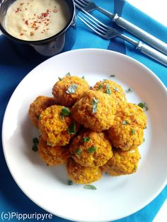 PORKKANAPYÖRYKÄT Tandoori Chicken, Norman, Cauliflower, Curry, Vegetables, Ethnic Recipes, Food, Cauliflowers, Curries