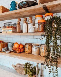 Kitchen organization via Kitchen Shelves, Kitchen Dining, Kitchen Pictures, Kitchen Ideas, Dream Apartment, Kitchen Interior, Design Kitchen, Kitchen Organization, Decoration