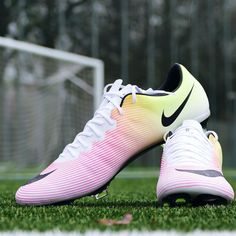 Football soccer, soccer gear, pink football gear, soccer tips, football f. Pink Football Gear, Pink Football Cleats, Nike Football Boots, Soccer Gear, Football Fashion, Soccer Boots, Soccer Equipment, Nike Soccer, Play Soccer