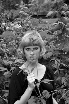 Portrait mit Blumen