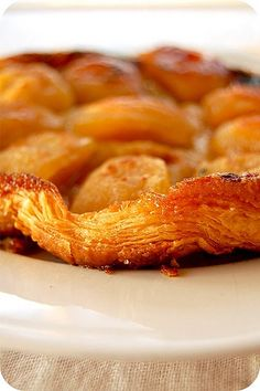 A Gorgeously Caramelized French Apple Tart    Mélanger