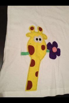 Camiseta jirafa fieltro.