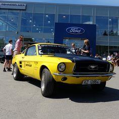 Mustang-treff hos Røhne og Selmer #fordmustang #lillegul #67mustang