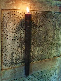 Look for punched tin or textured wall paper** Primitive Lighting, Primitive Candles, Primitive Kunst, Old Lanterns, Old Lamps, Candle Molds, Prim Decor, Tin Candles, Primitive Furniture