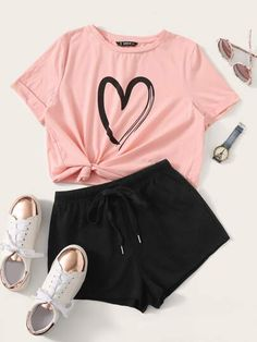 To find out about the Heart Print Cuffed Top & Drawstring Waist Shorts Set at SHEIN, part of our latest Two-piece Outfits ready to shop online today! Cute Lazy Outfits, Teenage Girl Outfits, Girls Fashion Clothes, Crop Top Outfits, Teen Fashion Outfits, Swag Outfits, Girly Outfits, Mode Outfits, Outfits For Teens