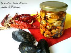 Cozze sott' olio, ricetta conserve Home Canning, Italian Pasta, Antipasto, Paella, Preserves, Italian Recipes, Pesto, Digital Camera, Shrimp