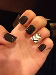 Black, White, and Gold with Glitter and Chevron Nail Art Design