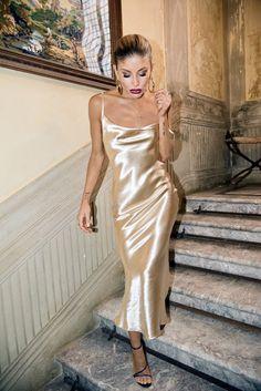 CWLSP Gold Open Back Sarafan Long Dress Female Party Strap Dresses Long vestido Backless Skinny Satin robe longue femme Satin Gown, Satin Slip, Satin Dresses, Elegant Dresses, Formal Dresses, Gold Satin Dress, White Satin, Prom Dresses, Classic Dresses