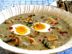 Make this delicious mushroom soup with readily available ingredients. Spicy Pumpkin Soup, Carrot And Lentil Soup, Creamy Mushroom Soup, Mushroom Soup Recipes, Creamy Mushrooms, Easy Soup Recipes, Stuffed Mushrooms, Lasagne Soup, Chicken Curry Soup
