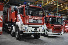 FEATURED POST @kevm_122 - 2x WLF BF Duisburg Feuerwache 1 Partnerseiten: @bos_einsatzfahrzeuge @momoseinsatzfahrten @lsfw_bilder @einsatzfahrten_ostfriesland @feuerwehr_fotos_112 @derblaulichtsuchti @blaulichtpics @blaulichter112 . . TAG A FRIEND! http://ift.tt/2aftxS9 . Facebook- chiefmiller1 Periscope -chief_miller Tumbr- chief-miller Twitter - chief_miller YouTube- chief miller Use #chiefmiller in your post! . #firetruck #firedepartment #fireman #firefighters #ems #kcco #flashover…