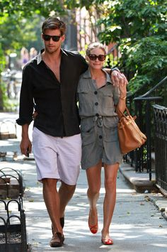 Olivia Palermo 'The City' star Olivia Palermo and boyfriend Johannes Huebl stroll through the West Village.