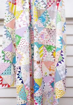 Scrap quilts and simple patchwork piecing are my absolute favorite and I do like to try my hand at different traditio. Scrap Quilt, Applique Quilts, Quilt Blocks, Quilting Projects, Quilting Designs, Easy Quilts, Mini Quilts, Quilt Tutorials, Vintage Quilts