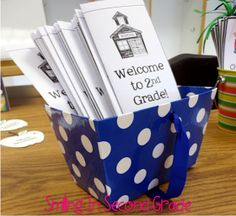 Definitely want to make a brochure like this because open house is such a hectic time!  Lots of great ideas for open house on this blog! Beginning Of The School Year, New School Year, School Days, School Fun, Starting School, School Teacher, School Stuff, 2nd Grade Classroom, New Classroom