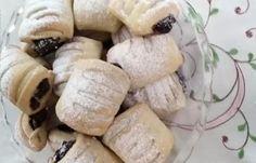 Makové minizáviny z kyslej smotany.  - recept Sweet Desserts, Camembert Cheese, Stuffed Mushrooms, Food And Drink, Mac, Dairy, Baking, Vegetables, Health