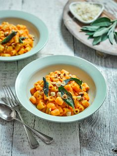 Find out how to make delicious Roasted Squash Macaroni with this vegetarian recipe from Veggie Magazine Thyme Recipes, Raw Food Recipes, Vegetarian Recipes, Healthy Recipes, Vegan Food, Vegetarian Kids, Macaroni Recipes, Pasta Recipes, Soup Recipes
