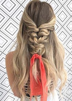 58 Lovely Bow Braid Hairstyles To Try in 2018. Bow braids hairstyles are best and modern way to make an accessories' look more elegant. This fantastic ideas of bow braids can be made with french braids or lace braid style. It also looks great with headband style braid. All these tips and tricks have been collected here for you to get gorgeous personality in 2018.