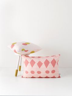 Cute cushions! http://www.roomblush.com/en/textile/cushions/cushion-confetti-mustardpink #cushions #roomblush #sparkling