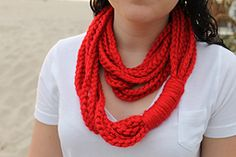 Ravelry: The Chain Necklace pattern by Sara Dudek... Free pattern!