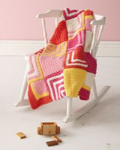 Free Baby #Afghan Crochet Pattern: With Mitered Squares.