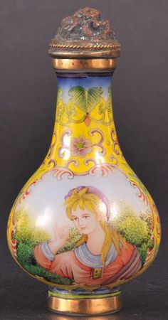 A CHINESE BEIJING IMPERIAL STYLE ENAMELLED SNUFF BOTTLE #chinese #snuff