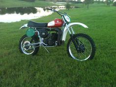 Dirt Motorcycles, Motocross Bikes, Vintage Motocross, Vintage Motorcycles, Dirtbikes, Vintage Bikes, Scrambler, Motorbikes, Husky