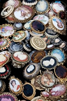 ~ beautiful vintage brooches ~ just sitting there ~ all in a pile ~ unsorted ~ waiting ...