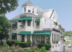 Harbour Towne Inn 71 Townsend Ave., Boothbay Harbor, ME  04538