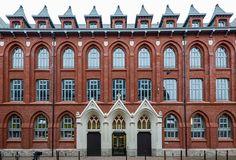 Façade avant HEI campus de Lille Mansions, House Styles, Home Decor, Audio Engineer, Mansion Houses, Homemade Home Decor, Villas, Fancy Houses, Interior Design
