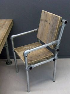 Pipe furniture diy pipe and pallet chair pvc pipe furniture plans Industrial Design Furniture, Industrial Chair, Industrial House, Industrial Style, Furniture Design, Industrial Pipe, Industrial Decorating, Industrial Shelving, Urban Industrial
