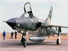 F-105F #63-8351, 354th TFS (355th TFW). Takhli RTAFB ...