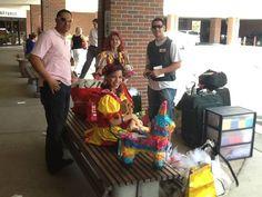 Gracias a Joey, Wandy. Alexis, Luis se pudo hacer y todos los que con sus oraciones y donaciones se pudo hacer possible la actividad para los ninos en el hospital de Gainsville