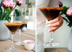Espresso Martini Saltkaramel ➙ Opskrift fra Valdemarsro.dk Espresso Martini, Cocktail Drinks, Alcoholic Drinks, Cocktails, Baileys Irish Cream, Irish Coffee, New Flavour, Mojito, Sangria