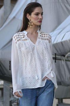 White Shirts Women, Blouses For Women, Blouse Styles, Blouse Designs, Blouse Sexy, Korean Blouse, Elisa Cavaletti, Bohemian Blouses, Casual Outfits