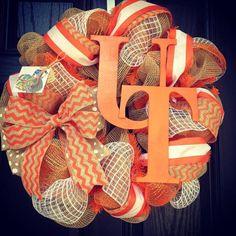 Items similar to UT wreath // Football wreath // House divided burlap wreath // Split household // Sports wreath // Tennessee // Vols // UT // Orange on Etsy Deco Mesh Wreaths, Door Wreaths, Yarn Wreaths, Floral Wreaths, Burlap Wreaths, Tennessee Girls, Tennessee Football, Tennessee Volunteers Football, Football Wreath